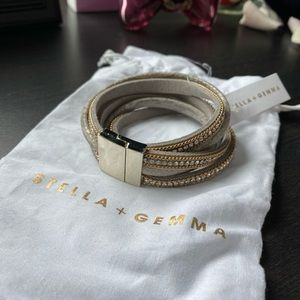 👗 stella + gemma leather wrap bracelet